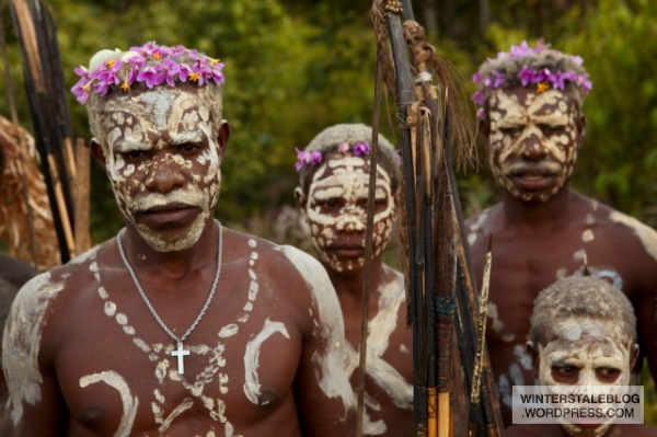 We passed through one vilage of mixed Vano and Dubre tribes where there was really a lot of variation in body decoration.